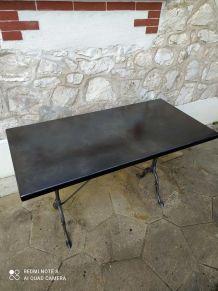 Table unique en métal style industriel