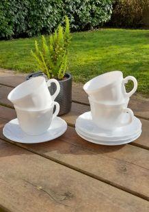 4 tasses à café et soucoupes Arcopal, France