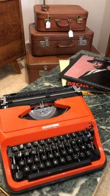 Machine a écrire vintage Underwood 120 orange
