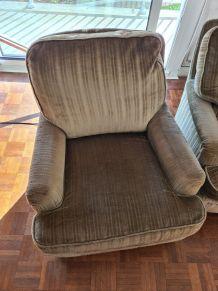 Paire de fauteuils club velours vert