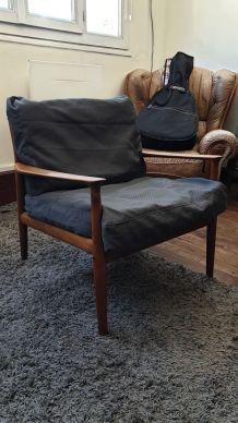 2 fauteuils + table basse Grete Jalk pour Moebelfabrik