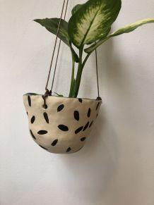 Pot suspendu en céramique