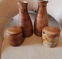 Ensemble pot en terre cuite signée poterie colombe