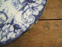 Plat en faience Creil et Montereau modele flora plat rond