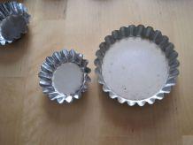 lot 28  de petits moules pâtisseries  en métal