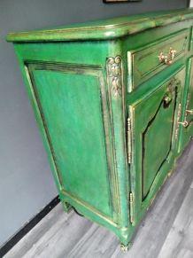 Buffet style Louis XV vert et doré cérusé.