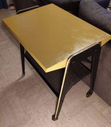 Table d appoint ou télé avec porte revue design rare année 6
