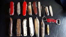Lot de 15 couteaux suisse