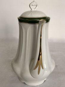 Cafetière, porcelaine de Limoges
