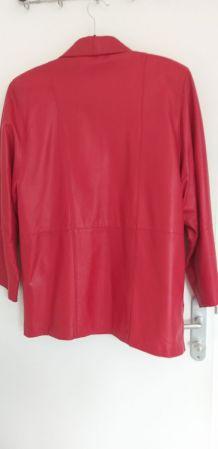 Veste en cuir rouge, achetée à Florence, portée 2