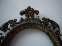 Cadre ovale en bronze XIXème