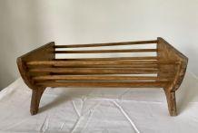 Lit poupée ancien en bois