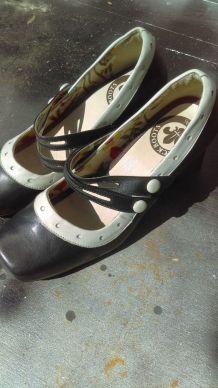 Chaussures à talons cuir esprit vintage