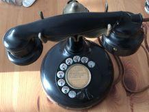 Ancien et classique téléphone PTT 24 art déco