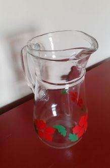 Pichet ou carafe en verre motifs floraux