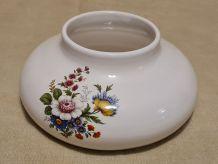 Vase plat modèle fleuri signature JHP