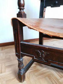 Chaise bois et cuir (style médiéval)