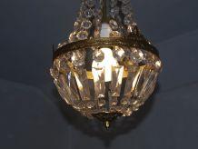Ancien lustre à pampilles de verre, forme montgolfière