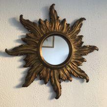 Miroir vintage 1960 soleil sorcière en bois doré - 58 cm