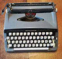 Machine à écrire Brother vintage