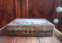 Ancienne boite en tôle lithographiée (décor marine)