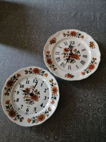 2 horloges assiettes vintages