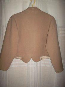 Veste courte beige doublée taille 3