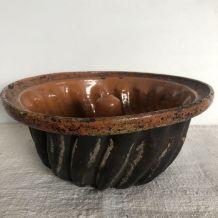 Ancien moule à kougelhopf, terre cuite vernissée