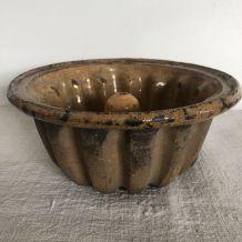 Ancien moule alsacien, terre cuite vernissée