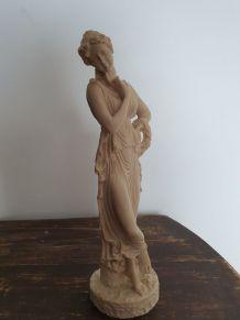 Sculpture femme grecque pensante numeroté et signé FG