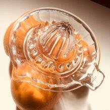 Presse-agrumes en verre de Reims vintage