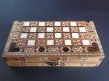 Jeu de dames et backgammon en bois & nacre de voyage