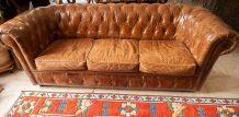 Canapé-lit 3 places en cuir marron Chesterfield
