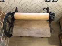 Calandreuse - presse à draps ancienne