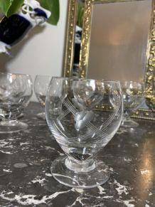 8 verres à vin en verre ciselé vintage 1960