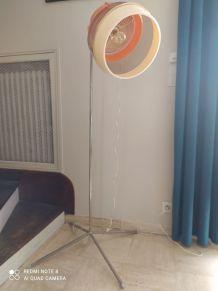 Lampe unique sur base sèche cheveux année 70
