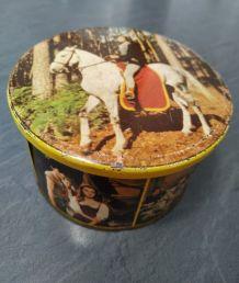 Boîte à  bonbons Thierry la Fronde, tôle Brochet