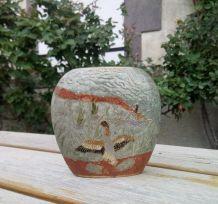 Petit vase en laiton cloisonné (décor canards)