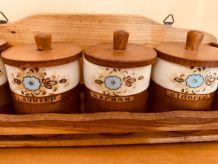 Etagère à épices rustique pots condiments porcelaine