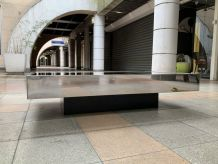 Table basse conçue par Willy Rizzo