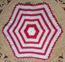 Joli napperon en crochet (coton) - Années 70