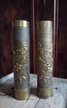 Paire de douilles d'obus sculptées (Art des tranchées)