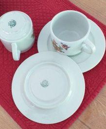 2 tasses+sous-c. porcelaine Pillivuyt