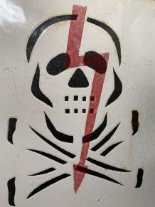 ANCIENNE PLAQUE EMAILLEE DANGER TETE DE MORT