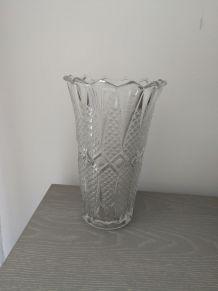 Vase en verre transparent