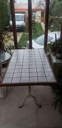 Table intérieur ou extérieur carrelée