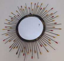 Jolie miroir vintage type soleil année 70 métal dore vieilli