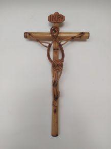 Crucifix en bambou