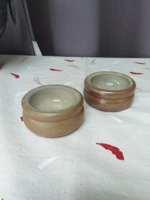 Lot 2 pots à beurre