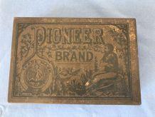 Boite Publicitaire Pioneer Brand